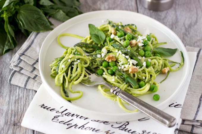 zucchini-noodles-with-avocado-pesto-simplehealthykitchen.com-070